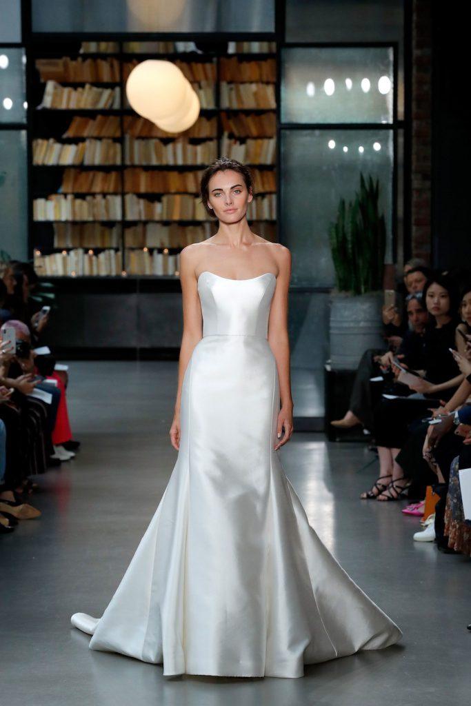 minimalist bridal fashion trend 2019