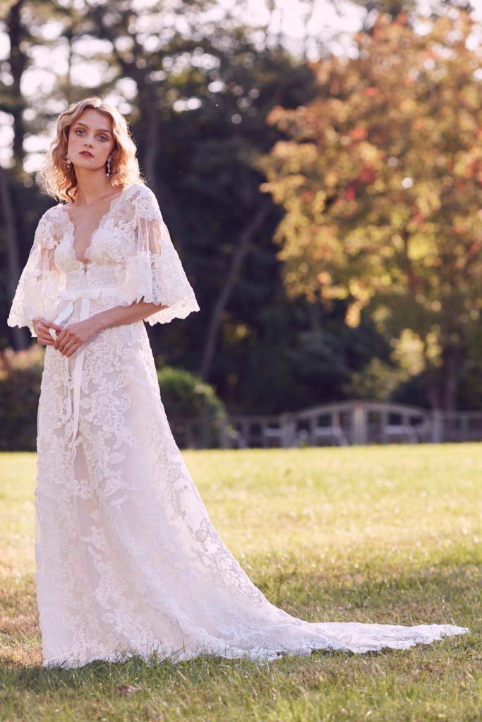 plunging neckline bridal fashion trend 2019