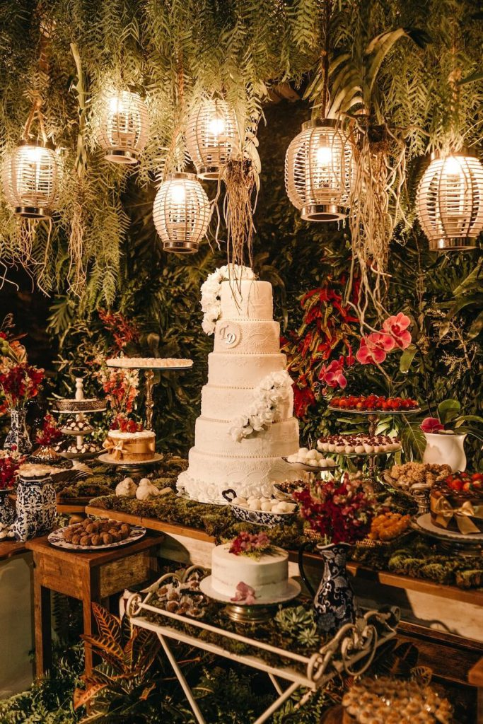 traditional cake wedding desert table idea