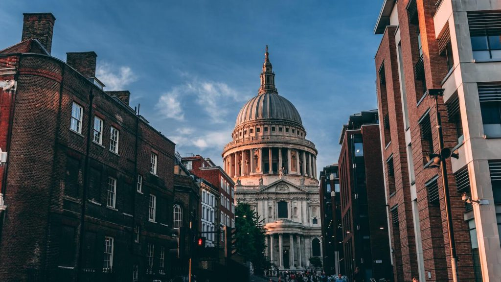 st. paul's cathedral place to propose in london