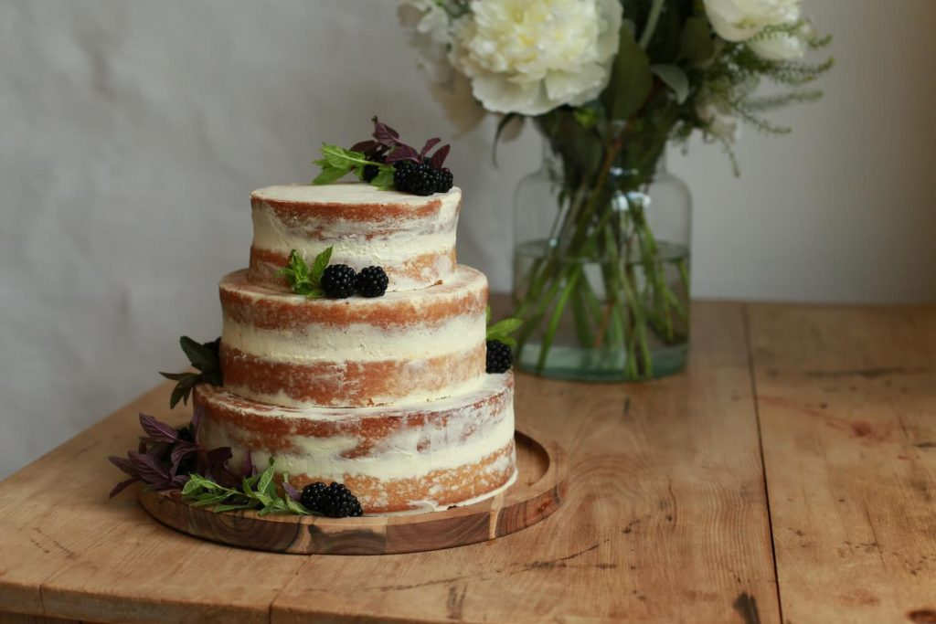 stackable cakes wedding catering trend 2020