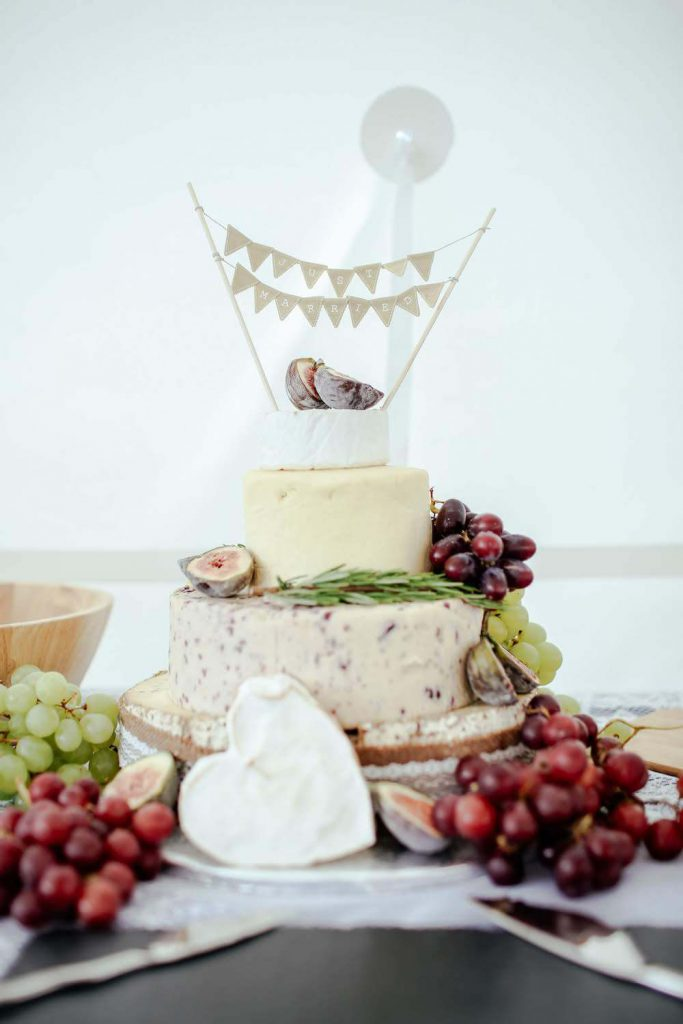 hire an eco-conscious caterer green eco-friendly wedding