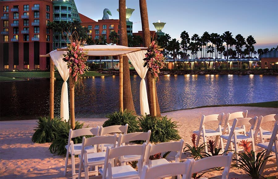 walt disney world swan and dolphin resort outdoor wedding venue orlando