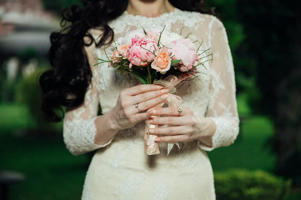 tips for planning your micro-wedding how to plan micro-wedding
