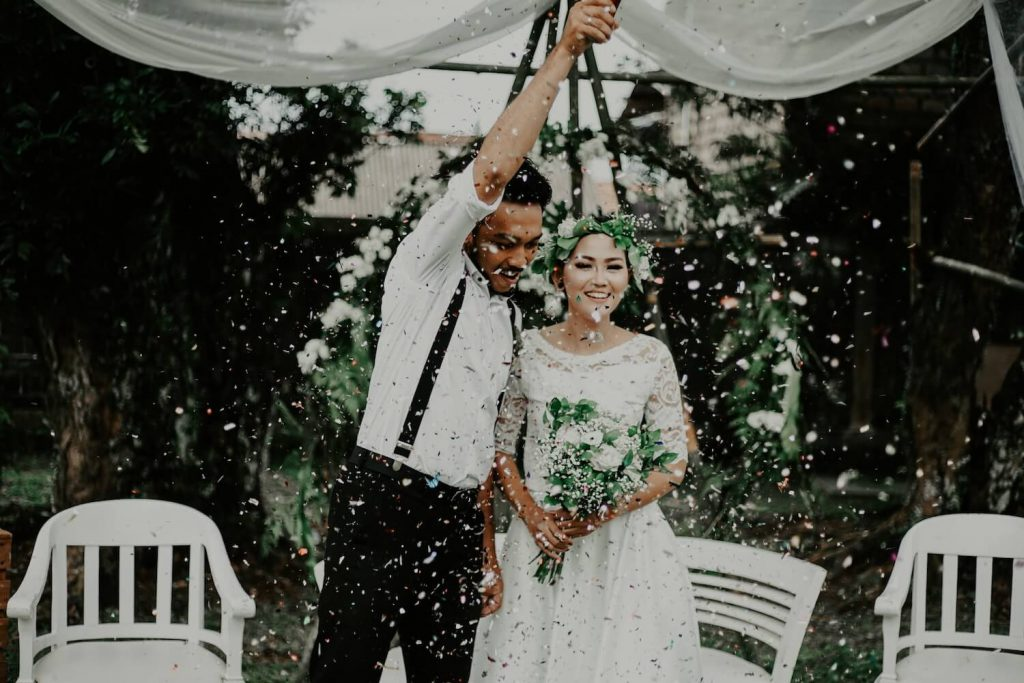 is a micro-wedding right for you how to plan micro-wedding