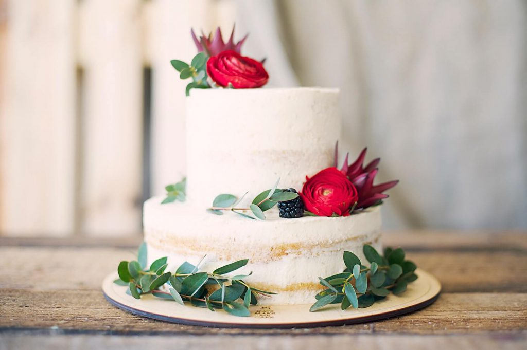 save on your wedding cake, sheet cakes, and cupcakes ways to save money on wedding