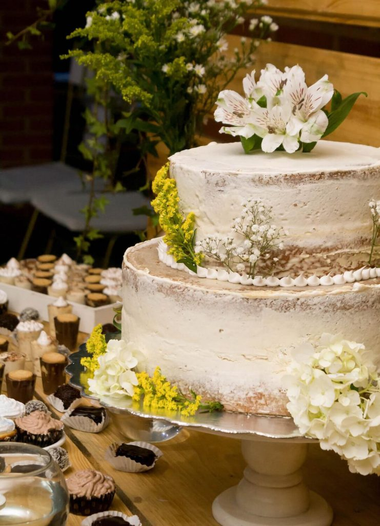 working with vendors for your backyard wedding