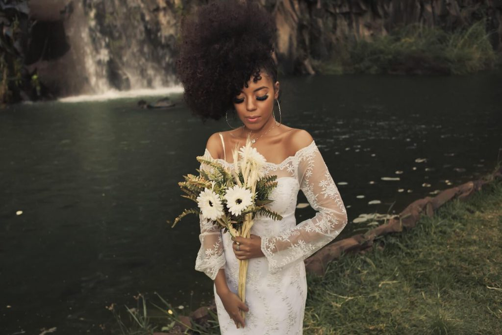meet with potential florists ways to save money on wedding