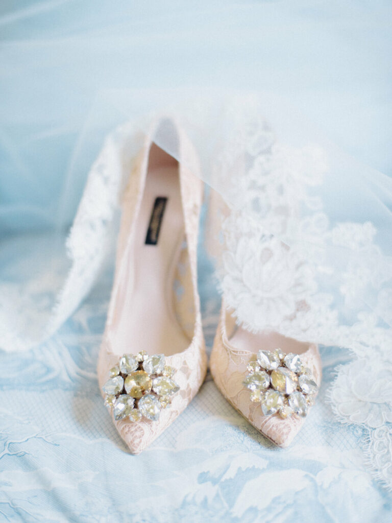 attire and other details wedding photography timeline