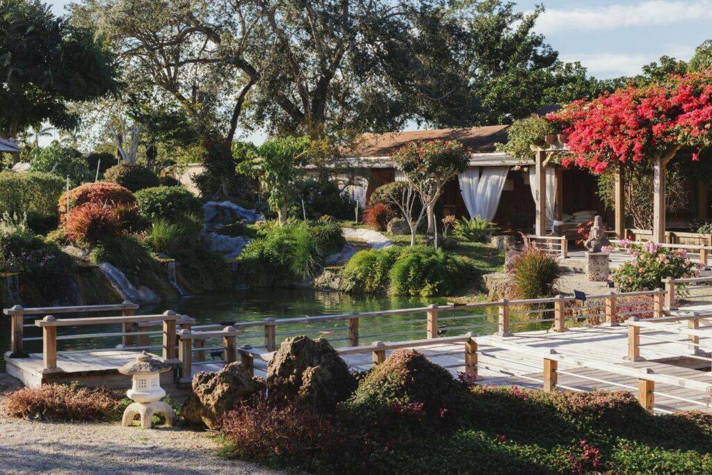 intimate destination wedding ideas redland koi gardens